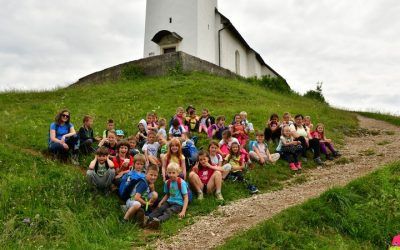 Prvošolci na Križni gori